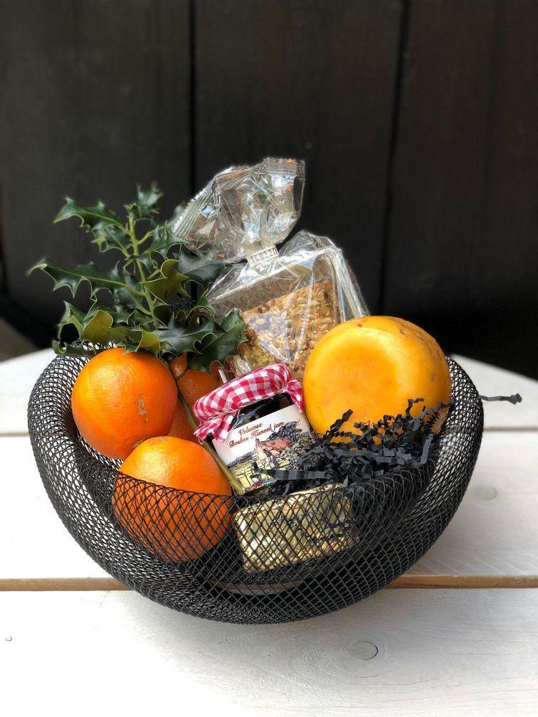 Kerstpakket fruitmand streekproducten